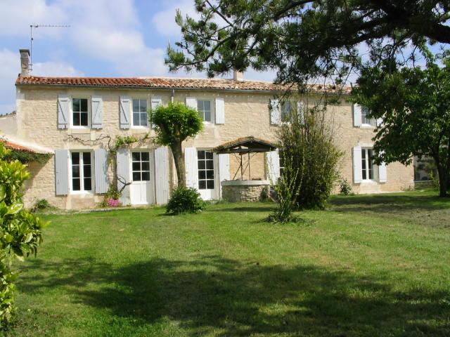 Meublé de Tourisme La Fermette-La-Fermette-gite-3-etoiles-pour-10-a-12-personnes-avec-5-chambres-et-jardin-clos
