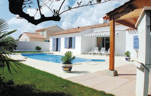 Holiday home Saint Jean de Monts 45 with Outdoor Swimmingpool-Holiday-home-Saint-Jean-de-Monts-45-with-Outdoor-Swimmingpool