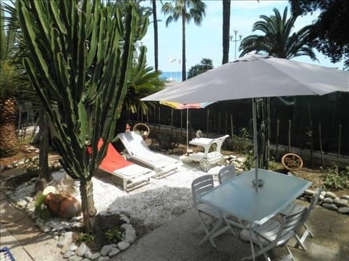 The Private Garden of the Promenade-The-Private-Garden-of-the-Promenade