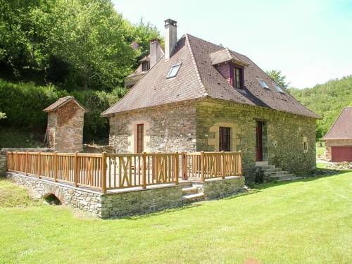 Quaint cottage in Saint-Medard-d'Excuduell near river-La-Maison-d-Amis-du-Bouc
