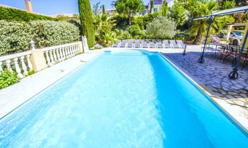 Grande Villa Récente à Sainte Maxime - Golfe de Saint Tropez-Grande-Villa-Recente-a-Sainte-Maxime-Golfe-de-Saint-Tropez