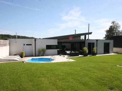 Modern Villa in Plougastel-Daoulas France with Indoor Pool-Plougastel