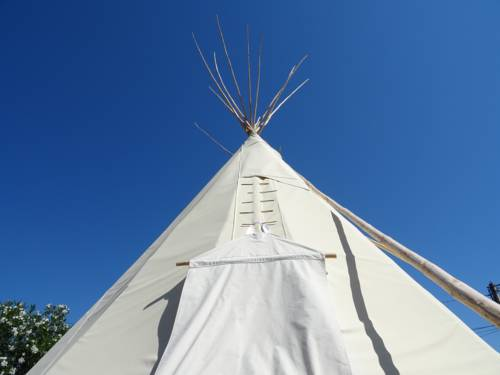 Tilley Lounge Cocoon-Tipi-Lounge-and-breakfast