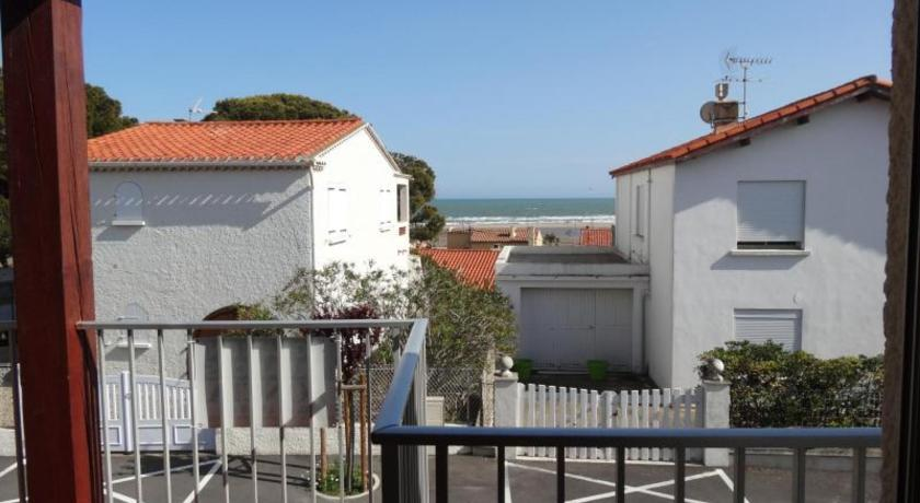 Rental Apartment Eolia - Saint Pierre La Mer-Rental-Apartment-Eolia-Saint-Pierre-La-Mer