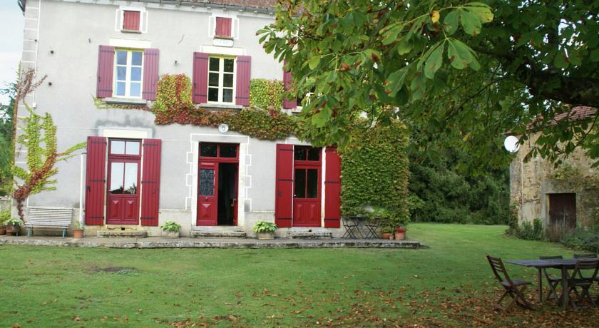 Maison De Vacances - Montcléra-Maison-De-Vacances-Montclera