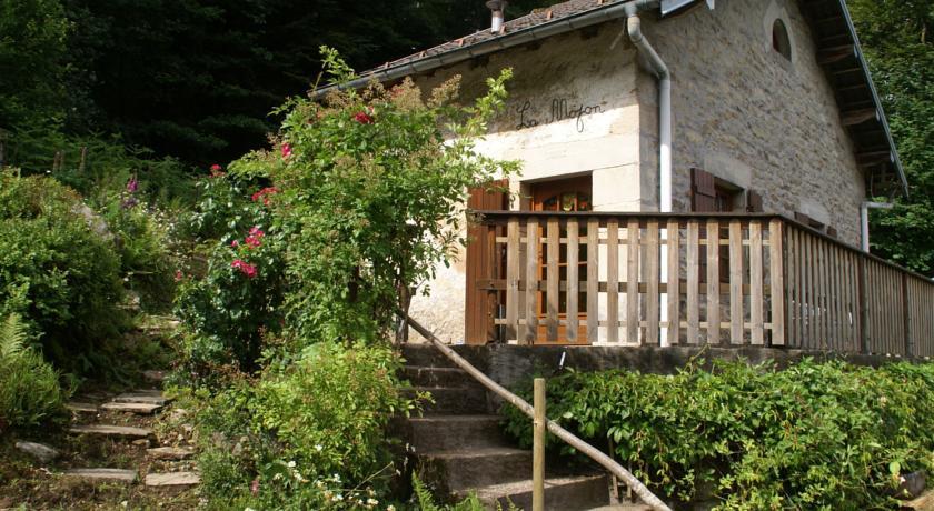 Maison De Vacances - Le Val D Ajol 1-Maison-De-Vacances-Le-Val-D-Ajol-1