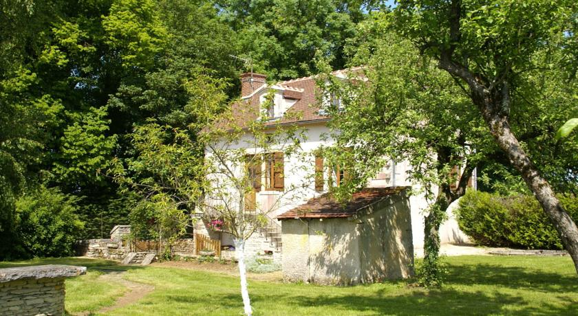 Maison De Vacances - Bierry-Les-Belles-Fontaines-Maison-De-Vacances-Bierry-Les-Belles-Fontaines