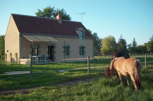 Maison De Vacances - Vitry-Aux-Loges-Maison-De-Vacances-Vitry-Aux-Loges