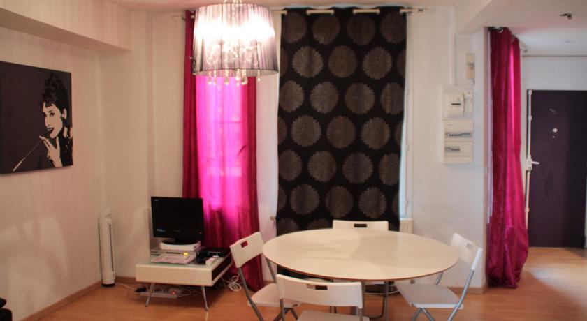 Apartment Aboukir1-Apartment-Aboukir1