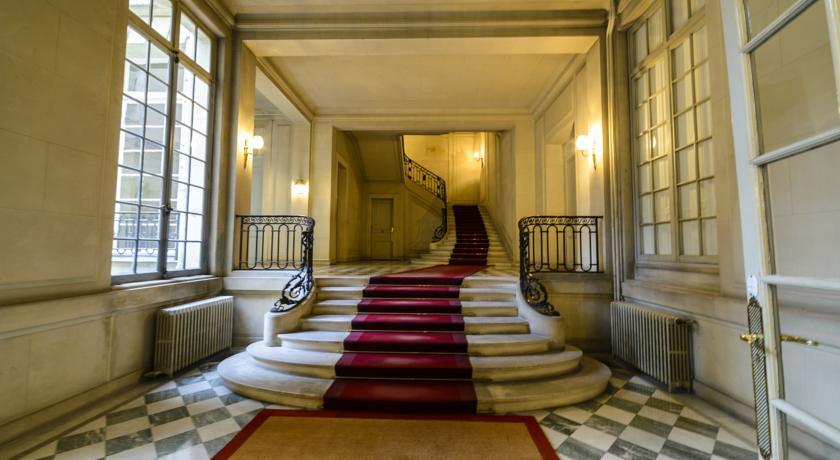 Luxurious Artistic House- Champs Elysées/Eiffel Tower-Luxurious-Artistic-House-Champs-Elysees-Eiffel-Tower