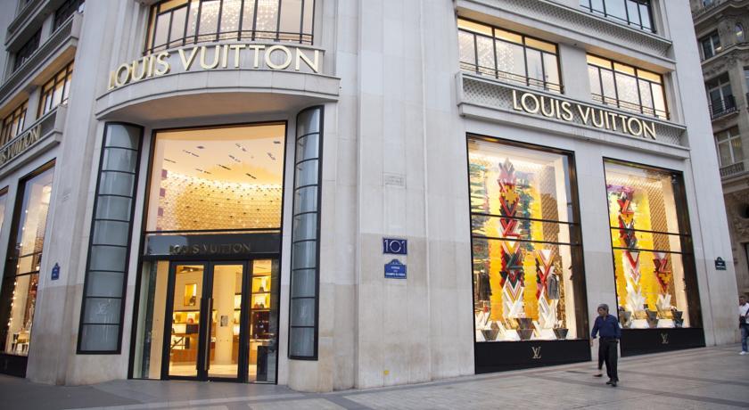 Champs Élysées-Vuitton Apartment-Champs-Elysees-Vuitton-Apartment