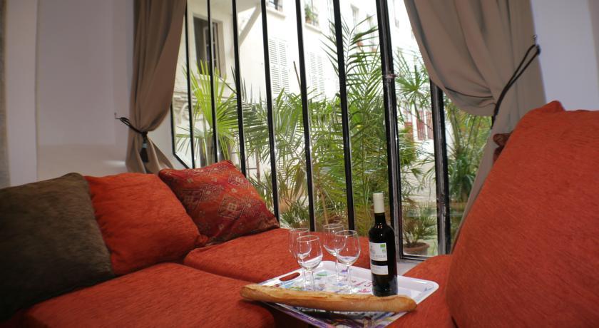 Quiet Apartment in the Center of Paris-Quiet-Apartment-in-the-Center-of-Paris
