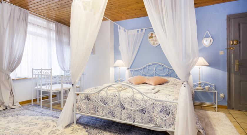 Romantic Studio Center-Romantic-Studio-Center