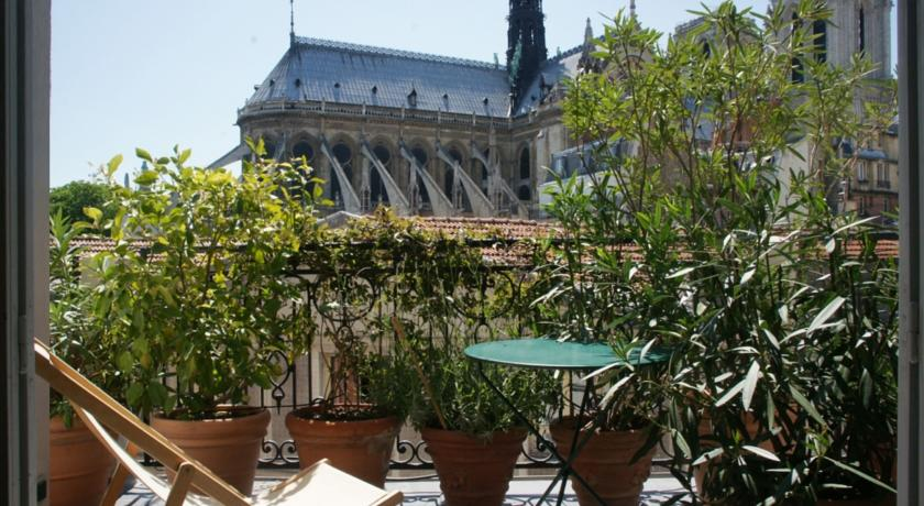 Notre-Dame terrace apartment-Notre-Dame-terrace-apartment