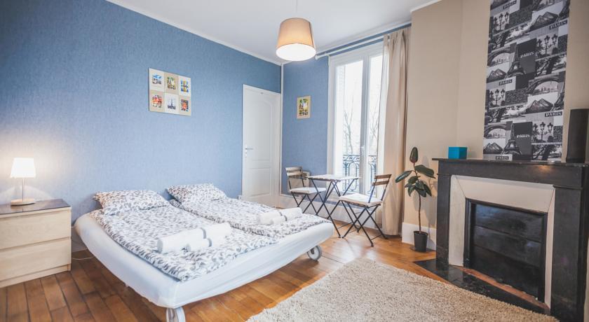 Apartment Island in a Seine-Apartment-Island-in-a-Seine