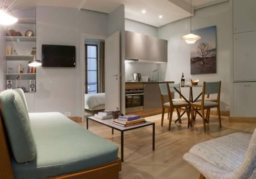 Contemporary Saint Sauveur One Bedroom Apartment-Contemporary-Saint-Sauveur-One-Bedroom-Apartment