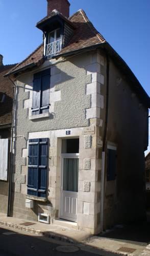 La Maison Aux Volets Bleus-La-Maison-Aux-Volets-Bleus
