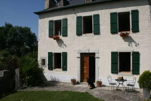 La Maison Aux Volets Verts-La-Maison-Aux-Volets-Verts