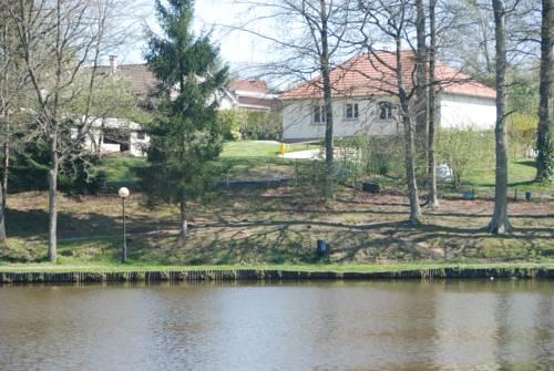 La Maison du Lac-La-Maison-du-Lac
