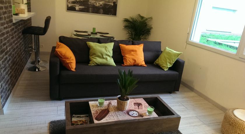 Chic apartment in Paris - St Denis (Stade France)-Chic-apartment-in-Paris-St-Denis-Stade-France-