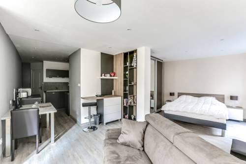 Chic and cozy apartment - center-Chic-and-cozy-apartment-center