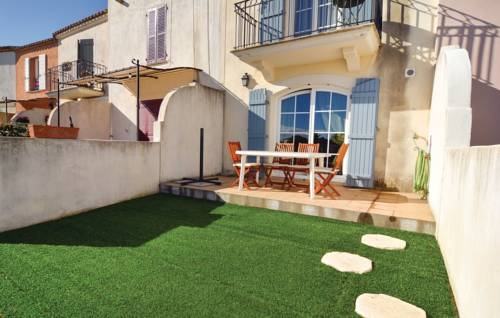 Three-Bedroom Holiday Home in Aigues-Mortes-Studio-Holiday-Home-in-Aigues-Mortes