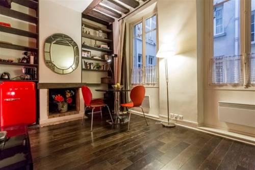 Authentic 2 rooms center of Paris - Marais-Authentic-2-rooms-center-of-Paris-Marais