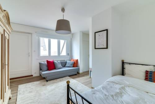 Comfy Apartment Terrace-Comfy-Apartment-Terrace