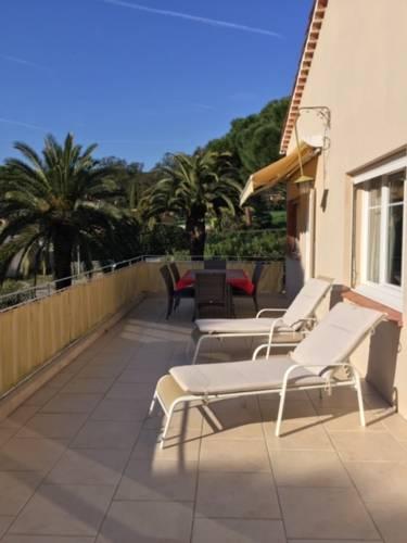 Appartement 3 chambres dans villa à 800 m. de la mer-Appartement-3-chambres-dans-villa-a-800-m-de-la-mer