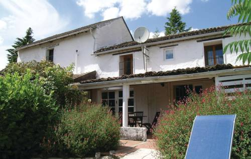 Three-Bedroom Holiday Home in Serigny-Three-Bedroom-Holiday-Home-in-Serigny