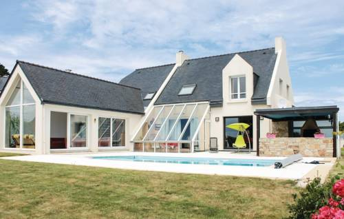 Four-Bedroom Holiday Home in Plougonvelin-Four-Bedroom-Holiday-Home-in-Plougonvelin