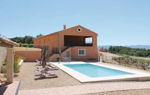 Five-Bedroom Holiday Home in Cairanne-Five-Bedroom-Holiday-Home-in-Cairanne