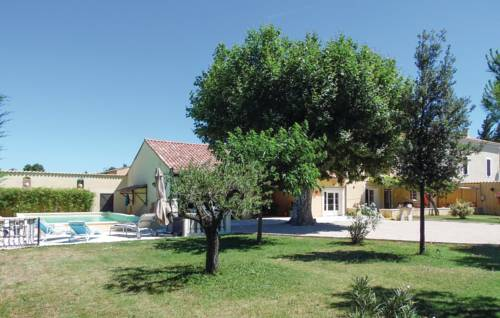 Four-Bedroom Holiday Home in Monteux-Four-Bedroom-Holiday-Home-in-Monteux