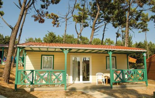 Three-Bedroom Holiday Home in St Hilaire de Riez-Three-Bedroom-Holiday-Home-in-St-Hilaire-de-Riez