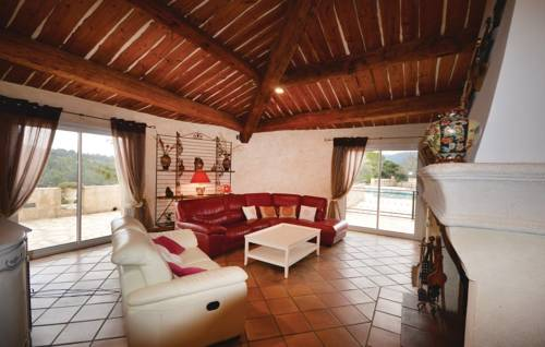 Three-Bedroom Holiday Home in Sollies Toucas-Three-Bedroom-Holiday-Home-in-Sollies-Toucas