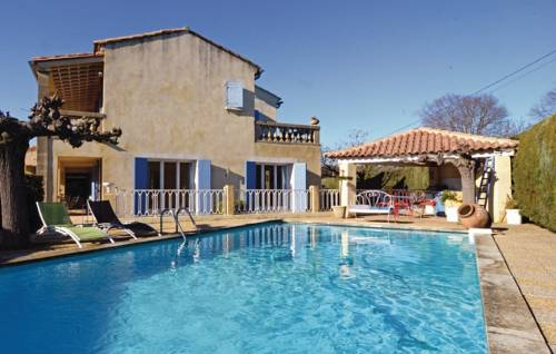Three-Bedroom Holiday Home in Collias-Three-Bedroom-Holiday-Home-in-Collias