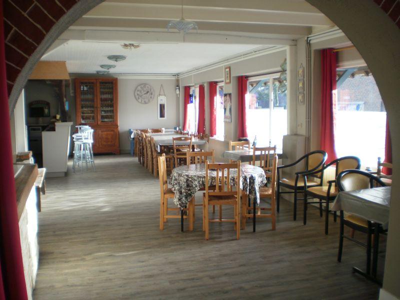 Gite Le Marinier-grande-salle-pour-repas-familiaux-accessible-handicapes