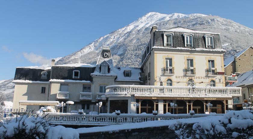 Hotel de londres esqui ze s re 65 avis plan adresse t l phone for Hotel piscine londres