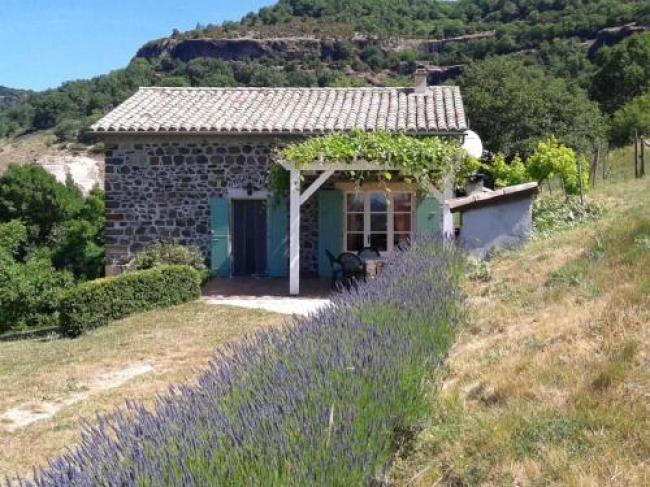 Beautiful Holiday Home in Saint-Pons near Forest-Rocher