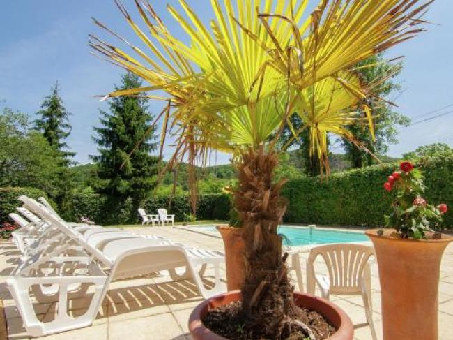 Lovely Cottage In Vezac with Swimming Pool-Yves