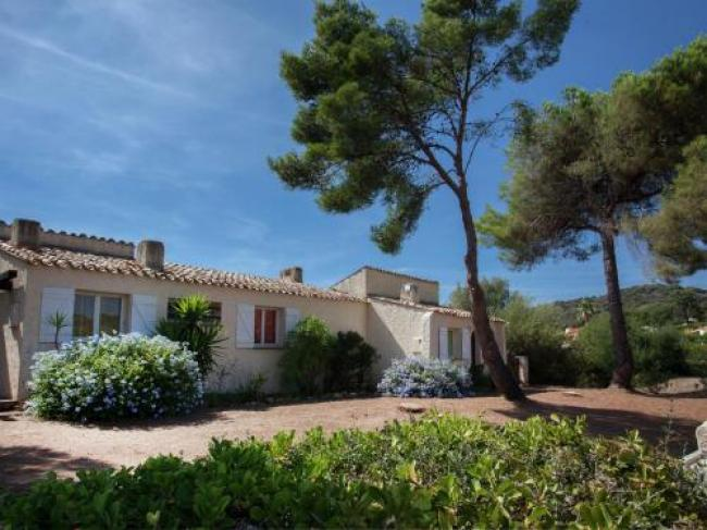 Cosy Holiday Home in Cargèse Corse-du-Sud near Sea-Les-Nereides