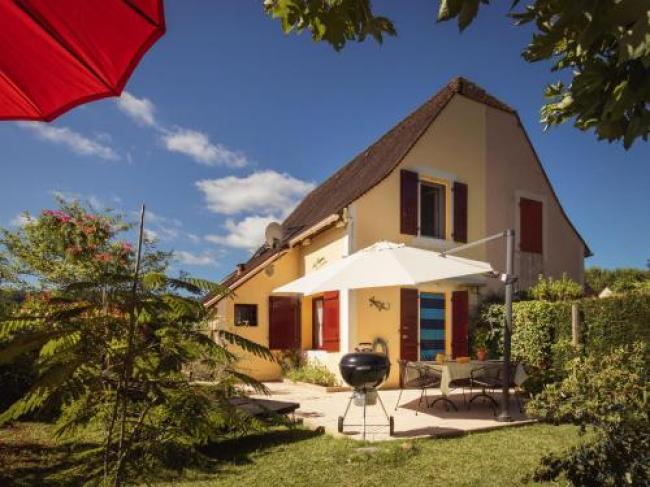 Beautiful Holiday Home in Aquitaine near the Forest-Sens