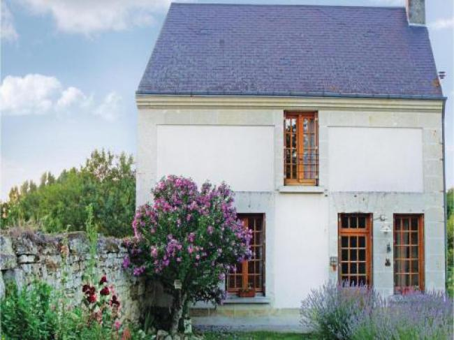 Two-Bedroom Holiday home Chinon with a Fireplace 05-Two-Bedroom-Holiday-home-Chinon-with-a-Fireplace-05