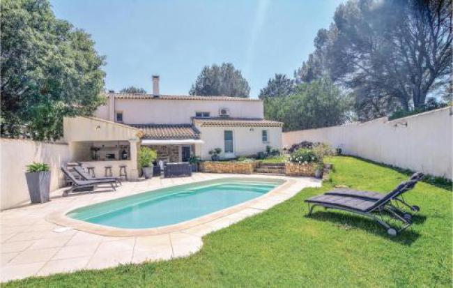 Holiday home Saint-Chamas with Outdoor Swimming Pool 420-Holiday-home-Saint-Chamas-with-Outdoor-Swimming-Pool-420