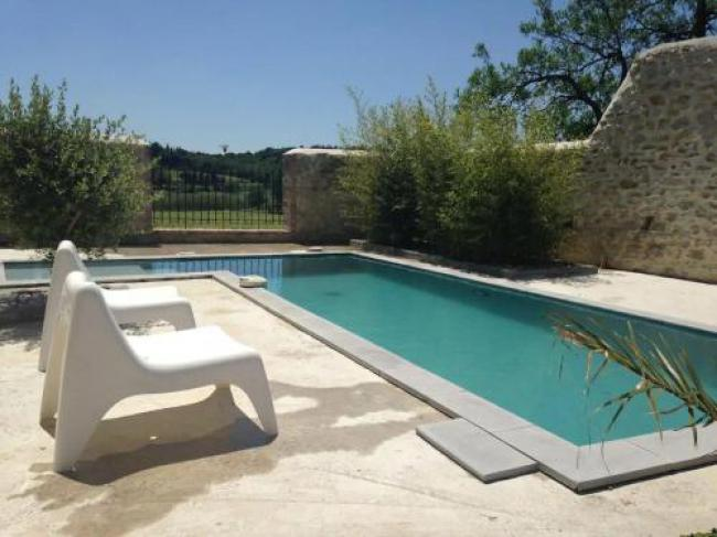 Serene Holiday Home in Domazan with Private Swimming Pool-Serene-Holiday-Home-in-Domazan-with-Private-Swimming-Pool