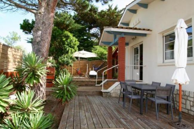 Lovely house with Garden and Terrace very close to the beach-Lovely-house-with-Garden-and-Terrace-very-close-to-the-beach