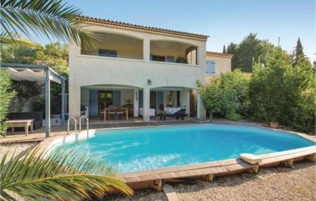 Four-Bedroom Holiday Home in Le Val-Four-Bedroom-Holiday-Home-in-Le-Val