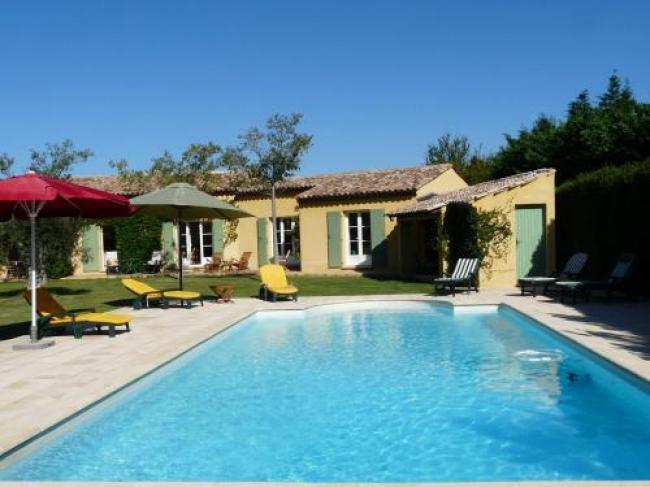 Agréable villa familiale avec piscine chauffée, grand jardin, située proche du centre du village de Mouriès au coeur des Alpilles, 10 personnes, LS1-140 Baguie Roso-Baguie-Roso
