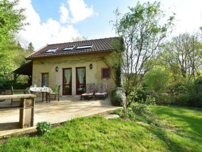 Beautiful Holiday home in Onlay Burgundy with Terrace-Laiterie-Du-Manoir-De-Thard