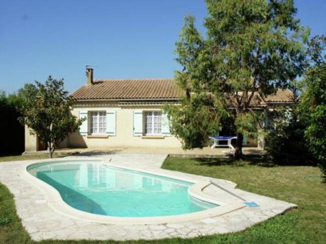 Cozy Holiday Home in Plan-d'Orgon, France with Swimming Pool-Villa-Lolita